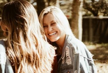 Токсичная дружба: каким 5 советам подруг не стоит следовать