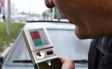 Минздрав отложил ввод обязательных тестов на алкоголь для водителей
