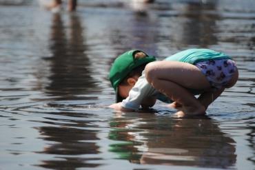 Ребёнок занят - мама отдыхает. Идеи игр для летней прогулки с ребёнком