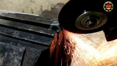 Как из обычных гаек сделать очень крутой брелок без токарного станка