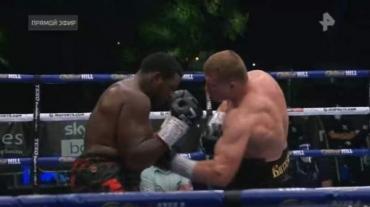 Курянин Александр Поветкин нокаутировал Уайта в 5-м раунде