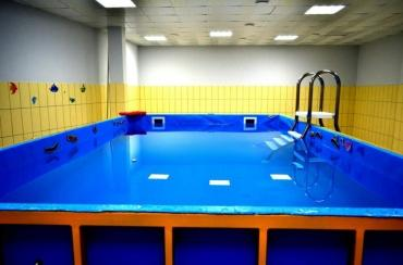 В Курске детей с ОВЗ бесплатно учат плаванию