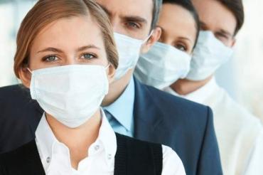 В Курской области усилят контроль за ношением масок на предприятиях
