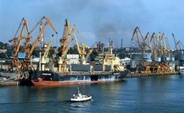 На фото: морской порт в Клайпеде, Литва