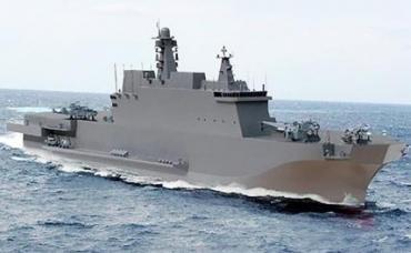 На фото: универсальный десантный корабль проекта 23900 типа «Иван Рогов»