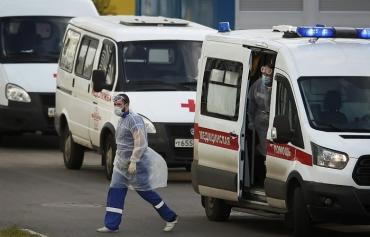 В России за сутки от COVID-19 умерли рекордные 317 человек