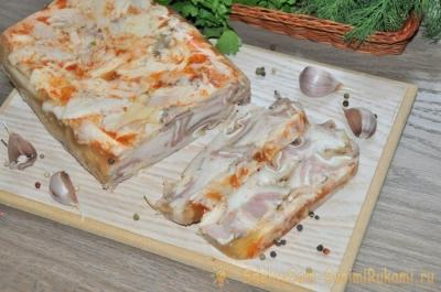 Бюджетный деликатес. Как приготовить мраморную мясную нарезку из курицы и свиных ушей