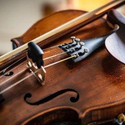 В четыре школы искусств Курской области закупают музыкальные инструменты
