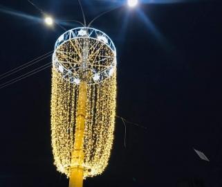 В Курске Красную площадь украсили светодиодные инсталляции
