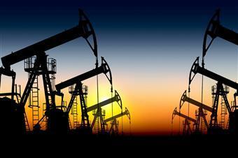 При постепенном снятии карантинных ограничений цены на нефть могут начать восстановление