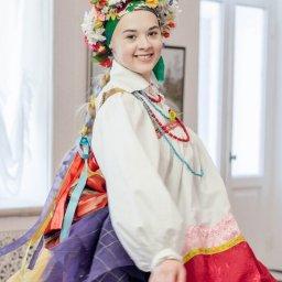 Студентка за свои деньги отреставрировала 100-летний курский костюм