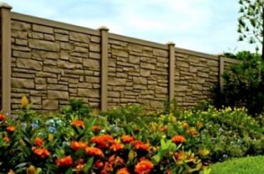 Можно ли ставить глухие заборы между соседями и участками на даче