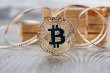 Курс биткоина выше $56 тыс. и капитализация в $1 трлн подтверждают его признание инвесторами
