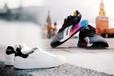 Кто из знаменитостей чаще всего носит кроссовки? Селена Гомез, Ким Кардашьян, Хейли Бибер