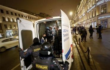 Француз получил семь суток ареста за акцию 2 февраля в Москве