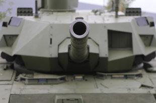 """В войска поставлена партия новейших танков Т-90М """"Прорыв"""""""