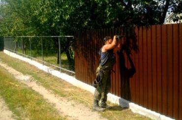 Забор из металлического профиля: установка и цена профильных ограждений