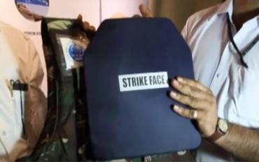 В Индии выпустили бронежилет, выдерживающий выстрел из АК-47