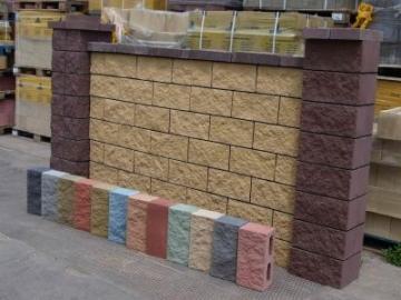 Заборные декоративные блоки – виды, материалы, преимущества