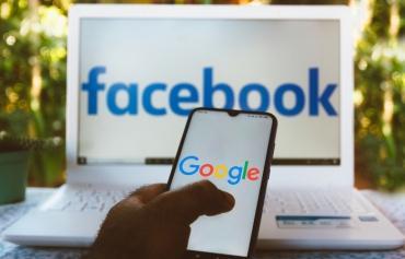 Роскомнадзор не будет замедлять Google и Facebook в ближайшее время