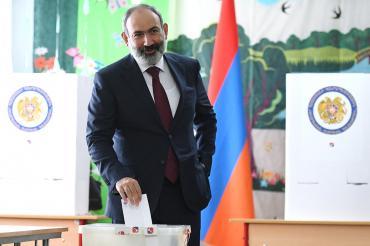 Партия Пашиняна победила на выборах в Армении