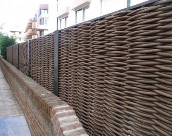 Щитовая ограда – надежная защита вашего дачного участка