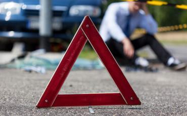 В Курске Audi столкнулся с Hyundai и врезался в опору ЛЭП