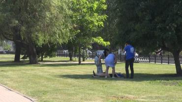 В Курске во время акции две студентки потеряли сознание от жары