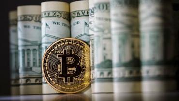 Доллар тянет криптовалюты и другие рисковые активы вниз