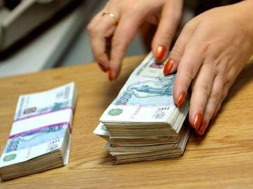В Курской области и.о. директора предприятия присвоила себе 1 млн рублей