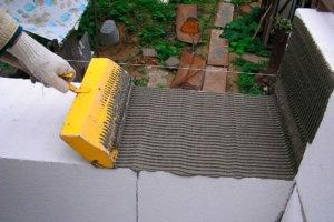 Строим недорого: как сделать шлакоблоки в домашних условиях