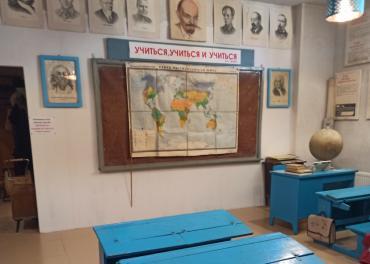 Школьные принадлежности из СССР и сейчас. Сравним?