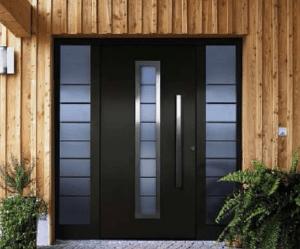 В чем уникальна установка металлической двери в деревянном доме, нюансы