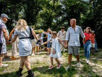Роман Старовойт устроил экскурсию для своей семьи на мельнице в Красниково