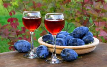 Настойка из сливы (сливянка) – просто и вкусно