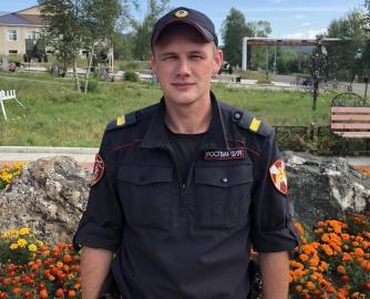 Павел Зырянов спас женщину с сыном