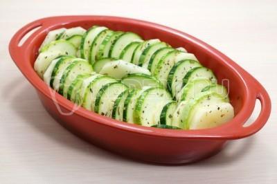 Кабачки с картофелем запеченные в духовке