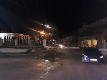 В Курске скорая помощь протащила 15 метров на троллейбусных проводах Audi TT