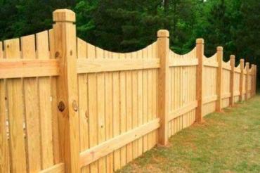 Деревянные столбы для забора: цена и как их установить своими руками
