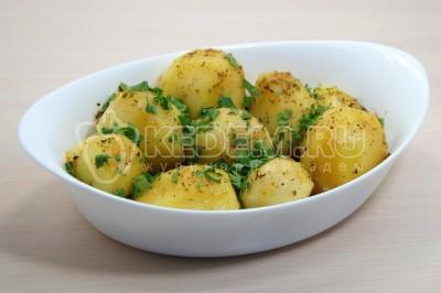 Запеченный картофель в духовке целиком