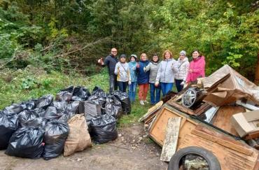 В курском урочище «Крутой лог» собрали 120 мешков мусора
