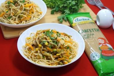 Спагетти с мясом и овощами