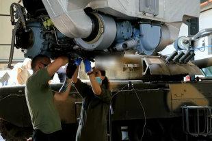 """Т-72 с новой """"реактивной броней"""" испытали на учениях в Узбекистане"""