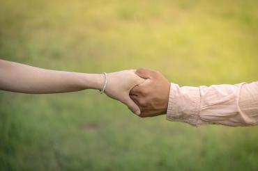 Как поддержать своего мужчину в трудный момент: 6 способов