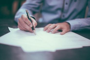 Повышаем самооценку рукой: 5 эффективных письменных практик